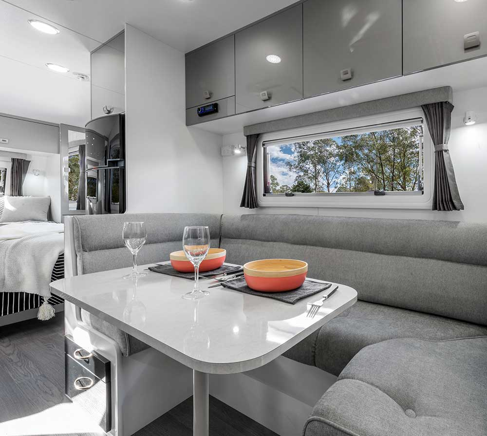 Franklin Caravans - 2017 Arrow Range